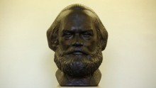 German Home Town accepts Karl Marx Statute from China.